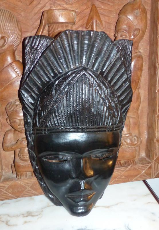 Large African Mask In Solid Ebony Collected First Half Twentieth .tres Deco. very beautiful patina