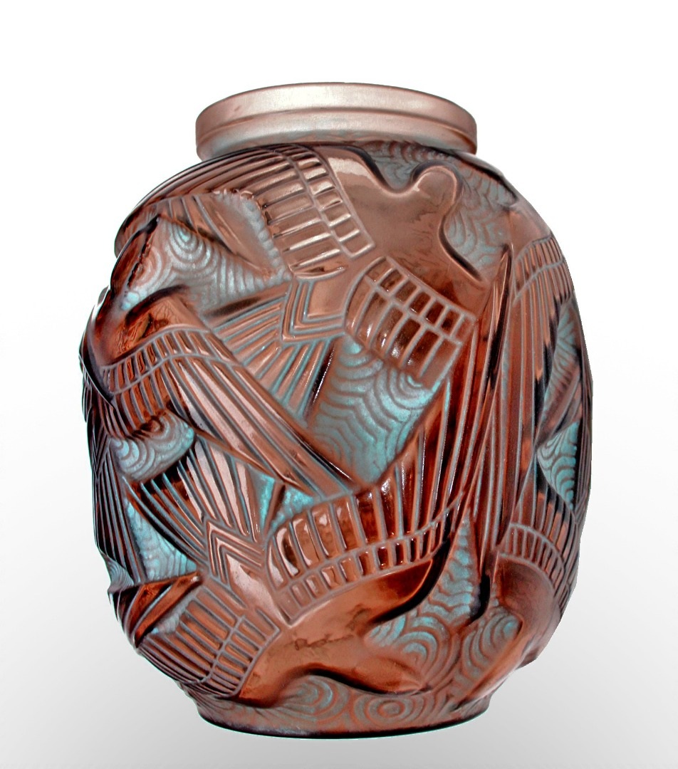 ART DECO PERIOD VASE von Pierre D'Avesn